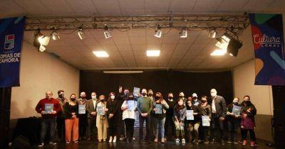 Lomas: dieron subsidios a teatros, murgas, escuelas de danza y bibliotecas
