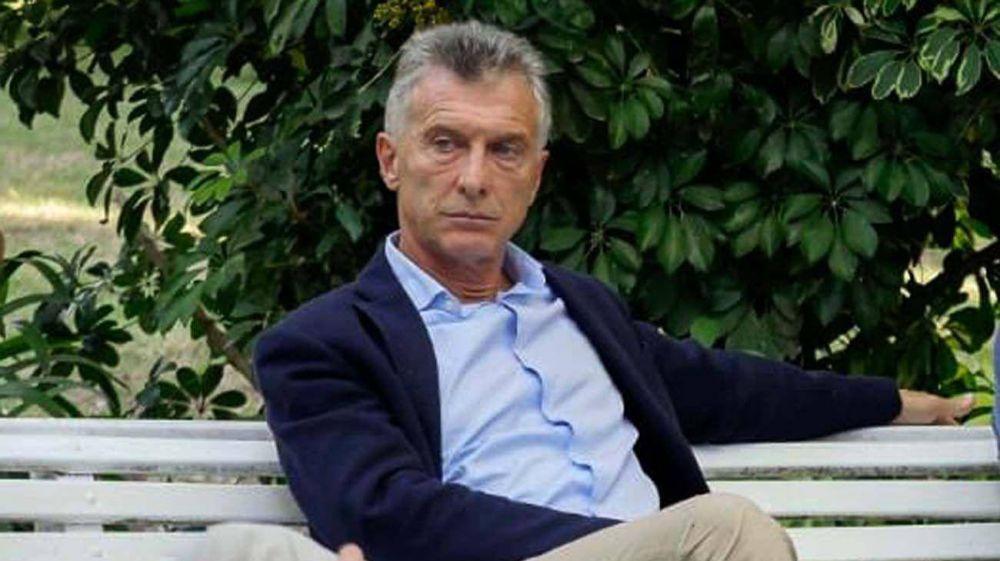 Políticos, escritores y militancia sin protocolo sanitario: los detalles de la presentación del libro de Macri