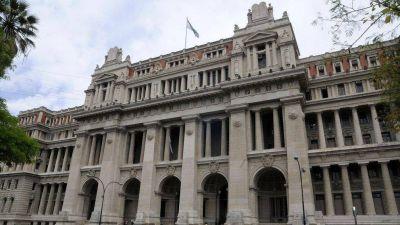 Los jueces y fiscales ultiman la demanda contra el pedido del Gobierno para que renuncien más de 200 magistrados