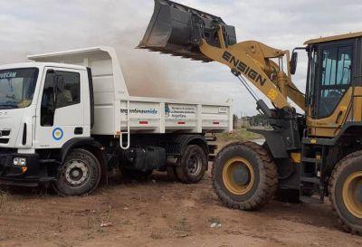 Realizan una campaña de limpieza de accesos y baldíos en Chepes
