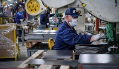 La UIA informó que la actividad industrial creció más del 5% en enero y sigue en niveles prepandemia