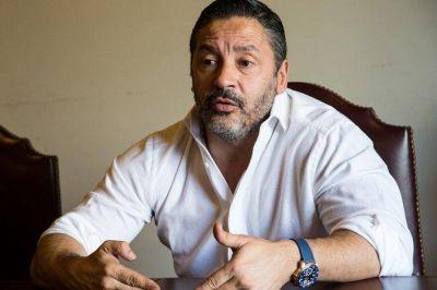 """Gustavo Menéndez: """"Máximo es elegido por su capacidad, no por su apellido"""""""
