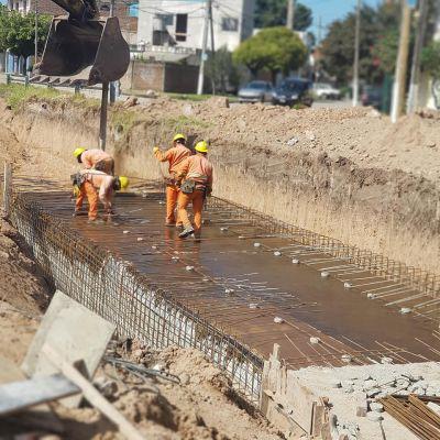 Saneamiento hidráulico y pavimentación del arroyo Salguero