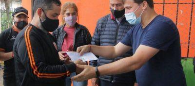 Ferraresi, Chornobroff y Sierra entregaron subsidios a instituciones de Avellaneda