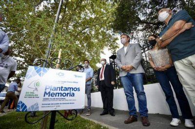 """Cascallares plantó memoria y dice """"Nunca más"""" en Almirante Brown"""