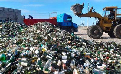 Salió un cargamento de más de 30.000 kilos de vidrio de la planta de reciclado de GIRSU de Viedma