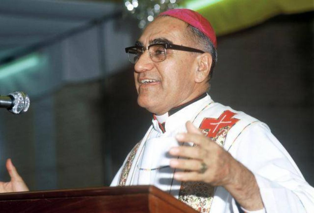 ¿Qué estaba predicando San Óscar Romero en el momento de su muerte?