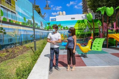 Juan Andreotti inauguró la modernización de la ´Plaza de los Escritores´ de San Fernando