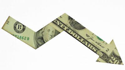 El dólar MEP cae a $ 140, arrastrado por el desplome de los bonos