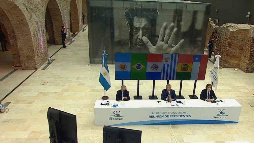 Las dos razones políticas que explican el duro cruce de Alberto Fernández y Lacalle Pou en la Cumbre del Mercosur
