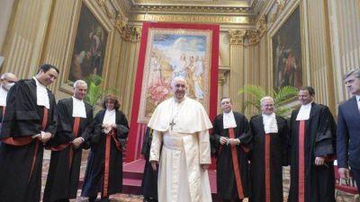 El Papa. Por una lucha más eficaz contra los delitos financieros
