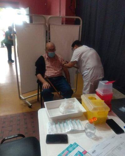 Se vacunó su papá: Bianco calificó de