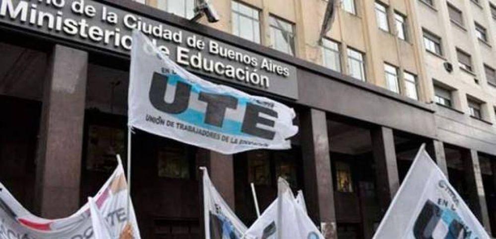 """UTE declaró """"jornada de duelo y protesta"""" y denunció """"la improvisada presencialidad"""" en la Ciudad"""
