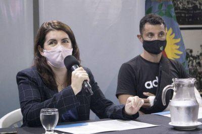 Mariel Fernández y Mauro García encabezaron el reclamo por la creación de juzgados de familia