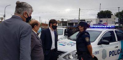 El Gobernador Kicillof junto a Mussi entregó patrulleros y recorrió vacunatorio en Berazategui