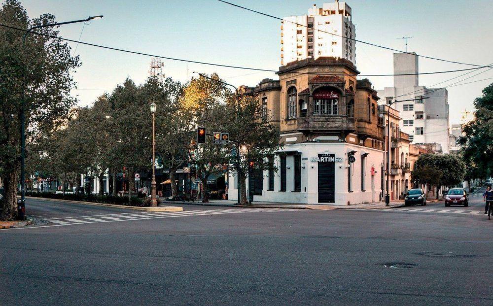 La Plata y Berisso avanzan con mayores restricciones
