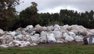 Vecinos denuncian un basural clandestino de residuos patógenos