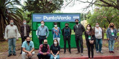 Promotores ambientales informan sobre la recolección diferenciada a vecinos del barrio Dálmine