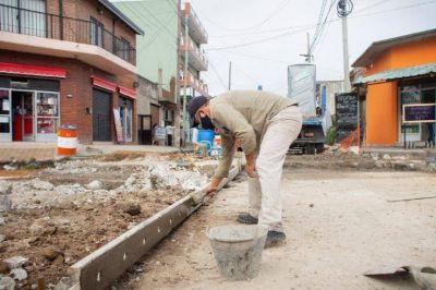 El Municipio avanza con obras de pavimento en el barrio Iapi