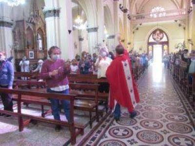 Semana Santa: comenzaron las celebraciones en el templo parroquial, con protocolos
