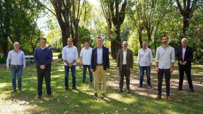 Mauricio Macri con los intendentes bonaerenses: falta de vacunas, las PASO y un mensaje oculto