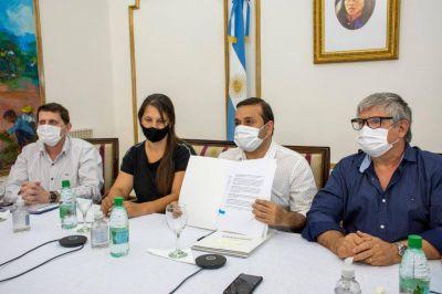 Herrera Ahuad firmó convenios con ENOHSA por obras de agua para comunidades Guaraníes