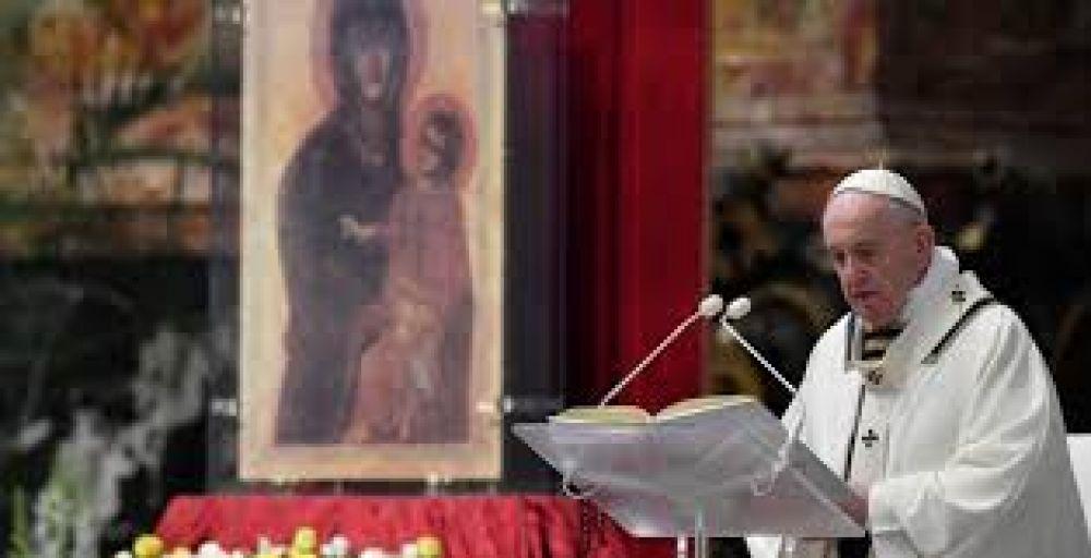 Semana Santa 2021: El Papa describe en qué consiste el Triduo Pascual