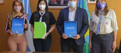 Chornobroff y Sierra firmaron un acuerdo con Scouts de Argentina