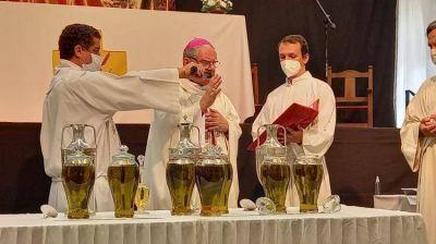 Mons. Ojea llamó al clero a vivir