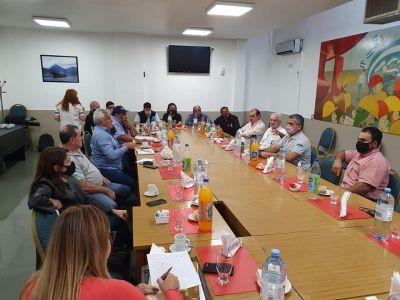 La FeMPINRA logró cerrar el acuerdo paritario para los trabajadores portuarios de Entre Ríos
