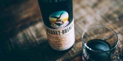 Peligra el abastecimiento de vino y fernet, tras el paro en bodegas y planta de Fernet Branca por reclamo salarial