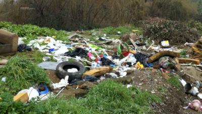 Acumulación de bolsas de basura en las esquinas genera quejas y malestar