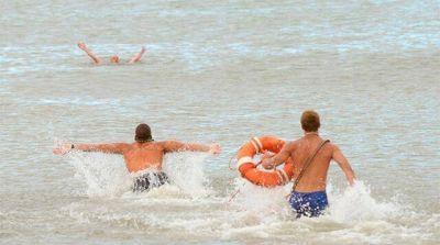 """Guardavidas municipales realizan """"medidas de fuerza"""" en playas por falta de pago"""
