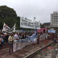 Murieron cuatro docentes en Tucumán y sus compañeros exigen que se vuelva a la modalidad de clases virtuales