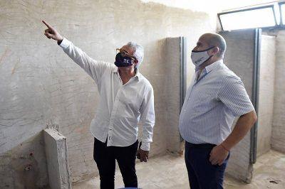 Zamora recorrió obras de infraestructura escolar y de revalorización urbana en distintos puntos de Tigre