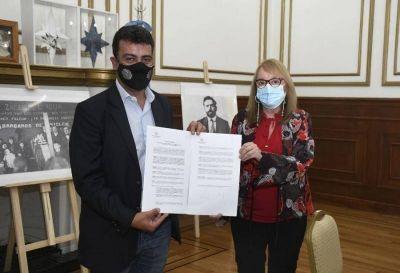 Firmaron convenio de obras para Puerto Deseado