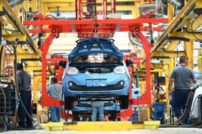 La producción automotriz se incrementó más de un 120% interanual en marzo