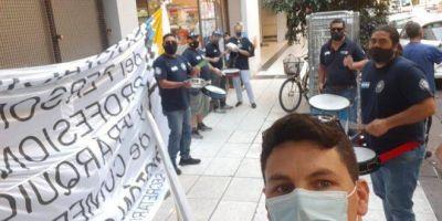 Protestas de Jerárquicos de Comercio en Carrefour Express por exceso de multitareas, falta de seguridad y no pago de adicionales