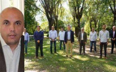 Exdiputado apuntó contra intendentes que se reunieron con Macri:
