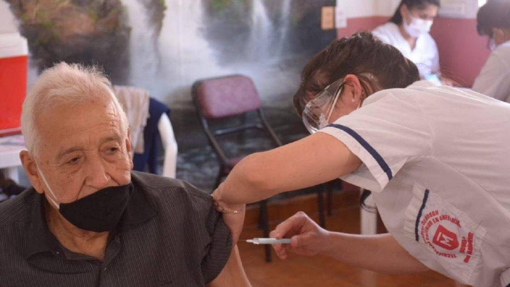 Más de 50 mil vacunados en Morón y sigue liderando el ranking