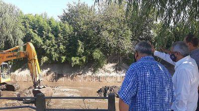 El Municipio de Tigre continúa con labores de limpieza en el arroyo El Claro de Benavídez