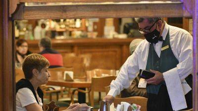 Diputados declara esenciales a los trabajadores de hoteles y gastronomía