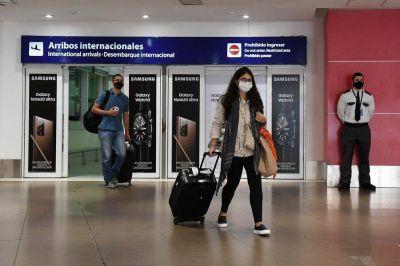 Prohibición de ingreso de turistas, suspensión de vuelos y requisitos especiales: las nuevas medidas que regirán hasta el 30 de abril