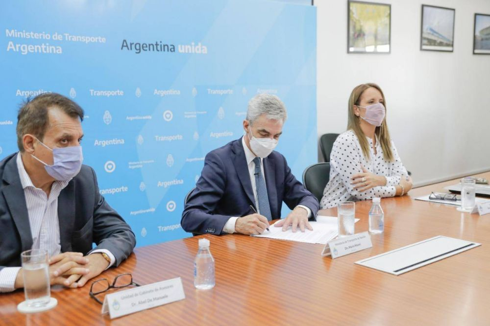 Hidrovía Paraná-Paraguay: firman acuerdo de cooperación con la OCDE
