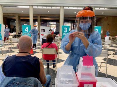 Este sábado se vacunaron 8.520 personas contra el Covid-19