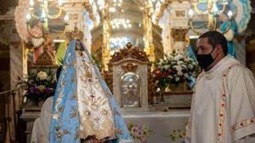 Con la Bajada de la Virgen del Valle, Catamarca comenzó sus fiestas