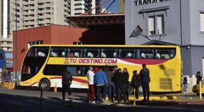 Transportistas privados bloquearon la zona de las terminales de colectivos de Córdoba