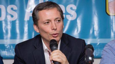 Gray firmó convenio con el ministro Simone para refaccionar unidades sanitarias