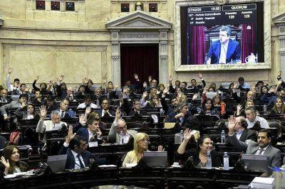 El Congreso enfría las sesiones con leyes clave en el tintero y el cronograma electoral en debate