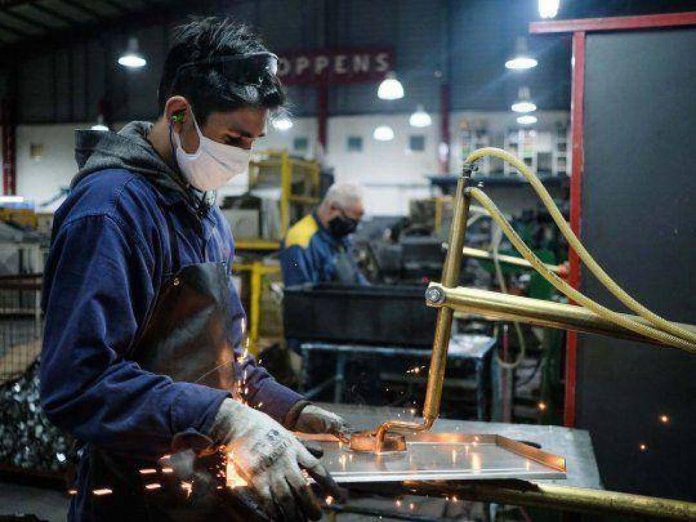 Por tercer mes consecutivo se incrementó el empleo industrial